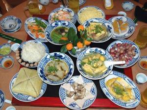 Cỗ và mâm cỗ Việt Nam